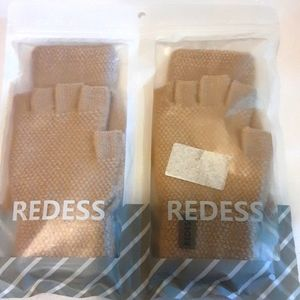 NWT Redess Women's Winter Gloves 2 Pairs
